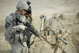 5th_SBCT_Troops_Patrol_Afghan_West_of_FOB_Ramrod